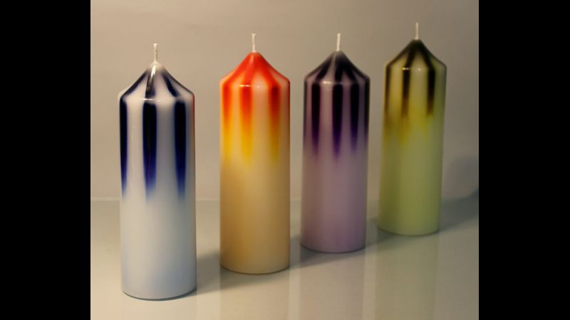 This kit makes 4 amazing striped candles in different colours