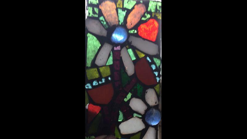 Glass mosaic flowers