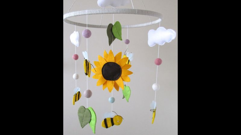 Bee and sunflower 30cm Hanging mobile