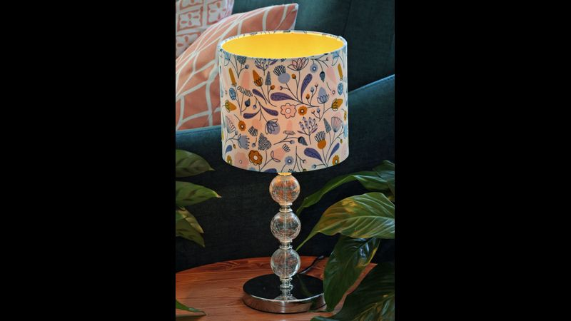 A 20cm table lampshade