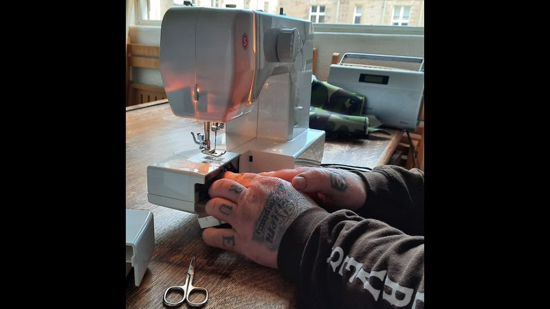 Learn how to use a sewing machine, from scratch, as a complete beginner