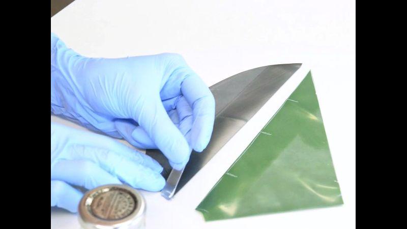 glue a straight seam