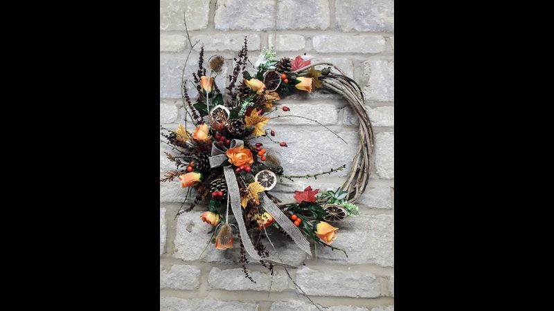 Rustle up the perfect autumn wreath, bringing the warm shades of the season straight to your door.