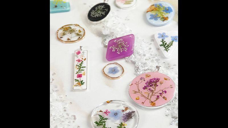 Make beautiful botanical jewellery