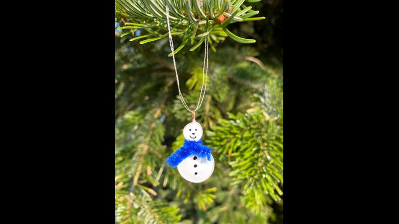 Christmas Decoration Making   Dec 2020