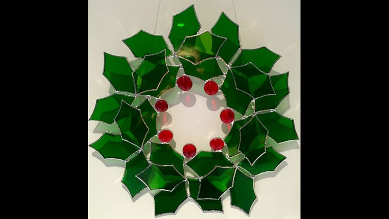 Stained glass: Christmas wreath at Flatford Mill