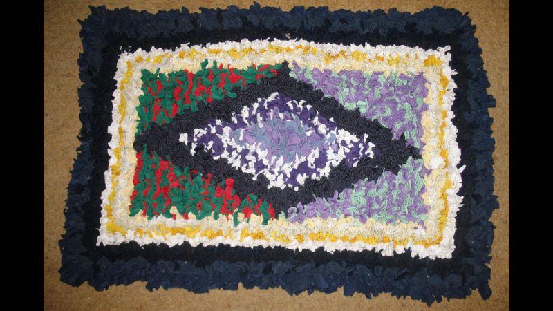 A patterned rag rug