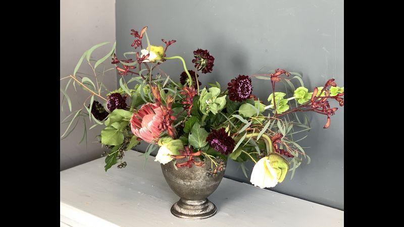 Example of an urn arrangement