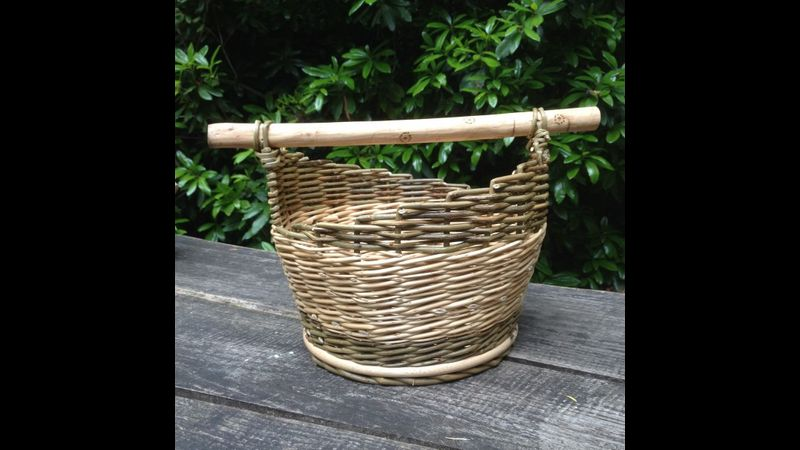 Round wood based basket