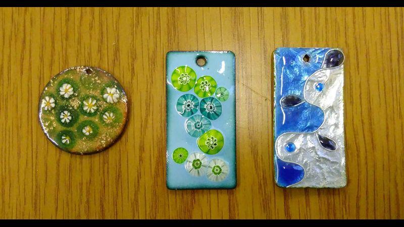 Enamelled glass pendants