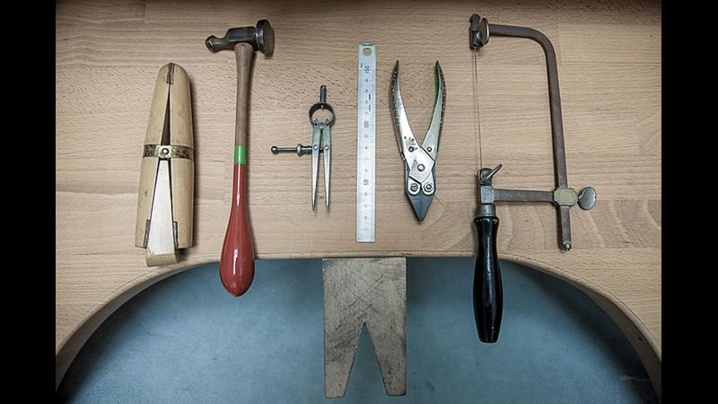 Bench space tools. Ready for realising creative ideas.