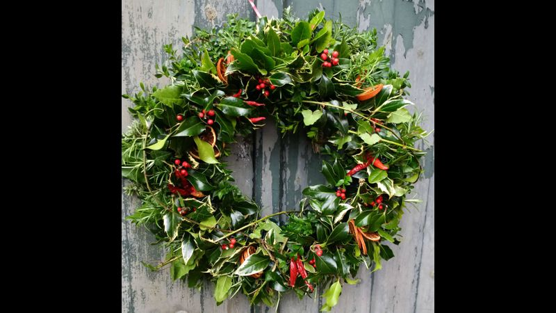 Make your own natural foliage festive wreath