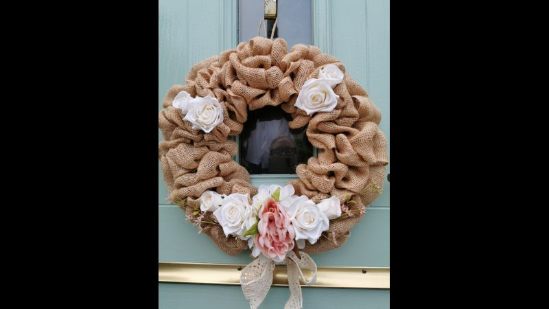 Hessian Wreath can be decorated however you want!