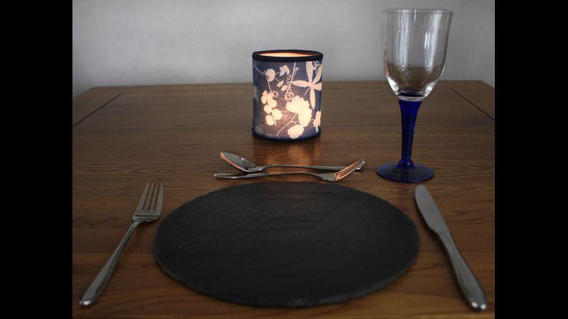 Table lantern using battery tea light