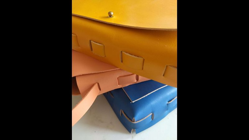Make a stitchless leather bag