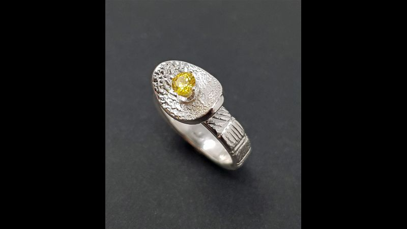 Design a ring and set a stone at West Country Creative.