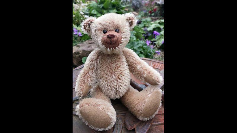 Robert Bear short brown mohair
