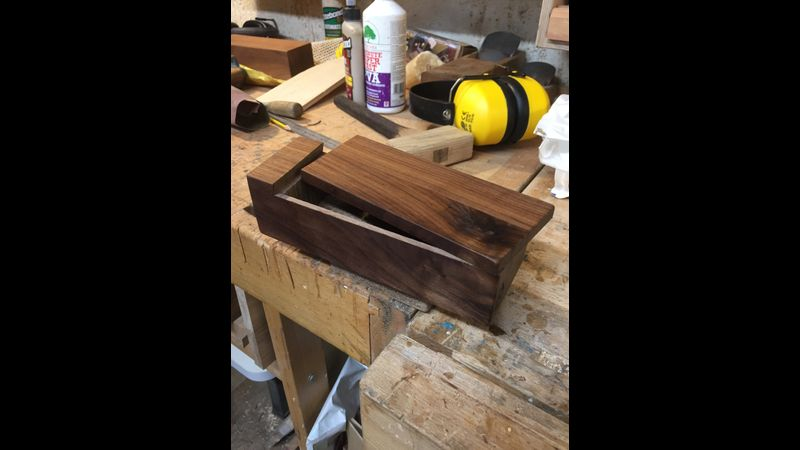 Walnut swing lid box made in a half day taster class at Tom Trimmins Woodwork London