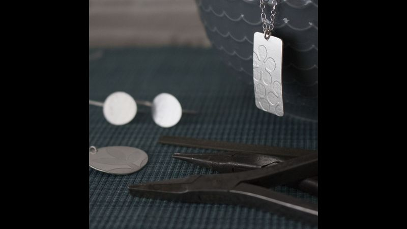 sterling silver pendant and earrings workshop in Hampshire