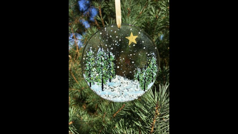 Snowy Winter Scene Ornament (11cmx11cm)