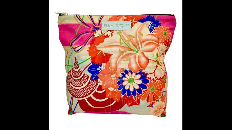 Vintage kimono pink weekend bag. Handwoven in the UK.