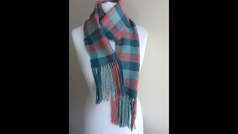 Scarf with bold check