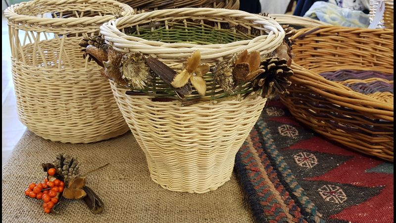 Rattan and sedge with decoration.