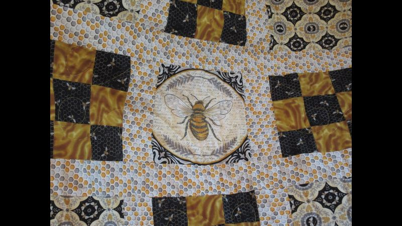 Centre of Honey Bees Quilt