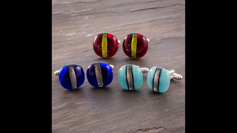 Cufflinks with metallic stripe