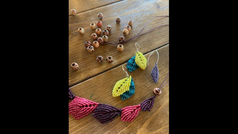 Leaf design macrame jewellery