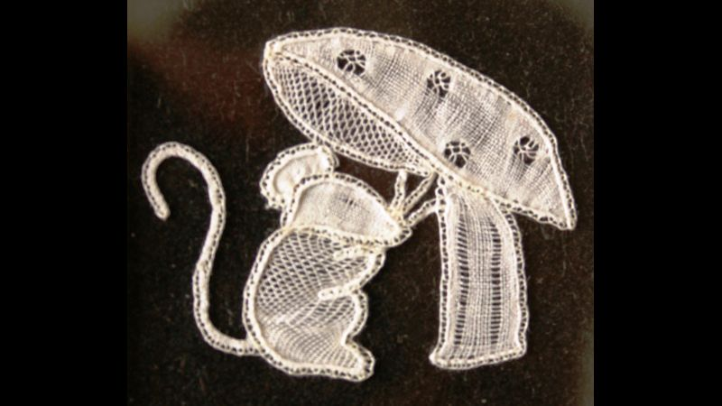 Honiton Lace - Mouse & Toadstool