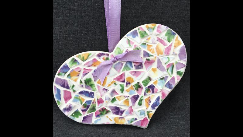 Lovely hanging Country Heart