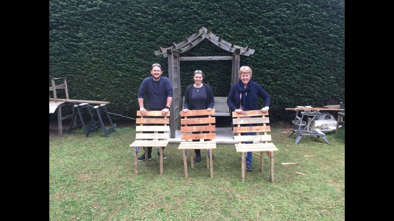 Pallet chairs, pallet table, west Byfleet, Surrey, Woodwork, upcycling, furniture