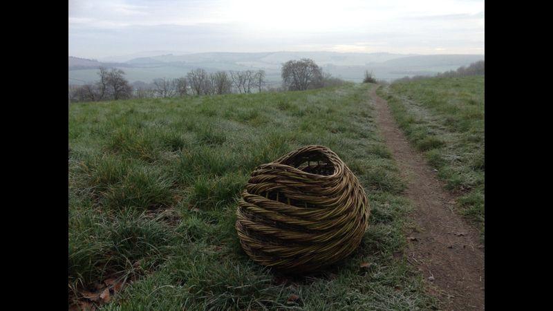 Rope weave log basket