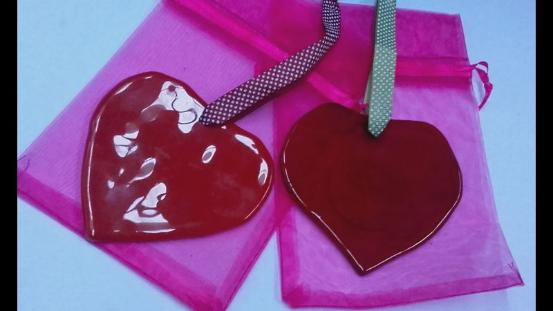 Redcurrant glass Hanging hearts