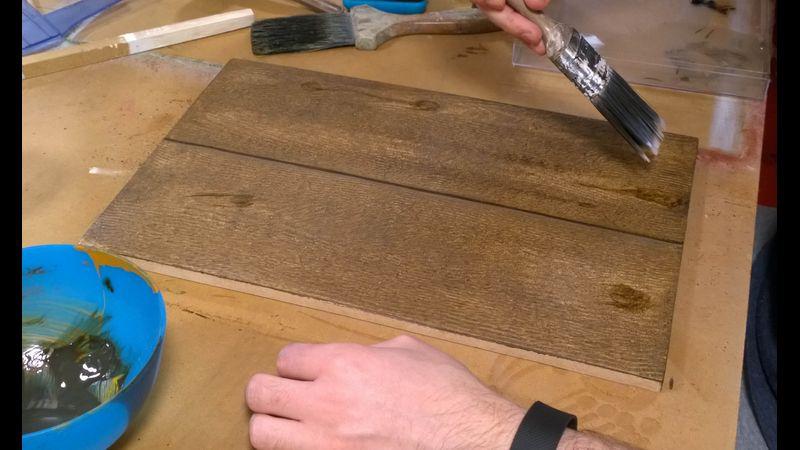 Faux oak wood graining workshop