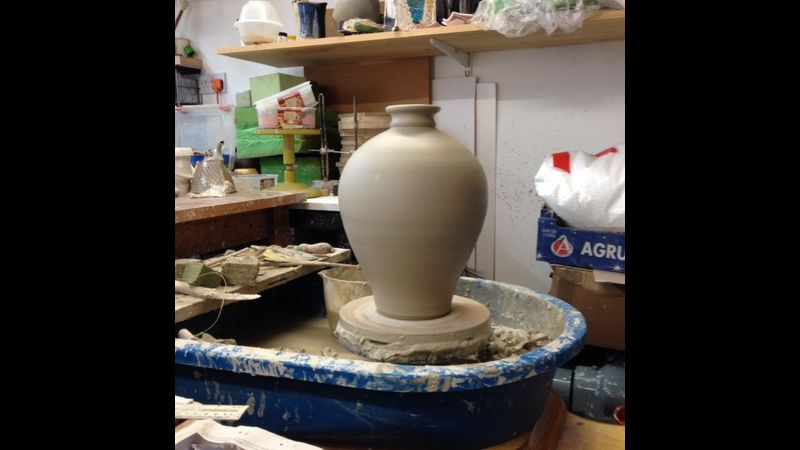 Pottery throwing days with Mark Compton - learn to throw on the potters wheel