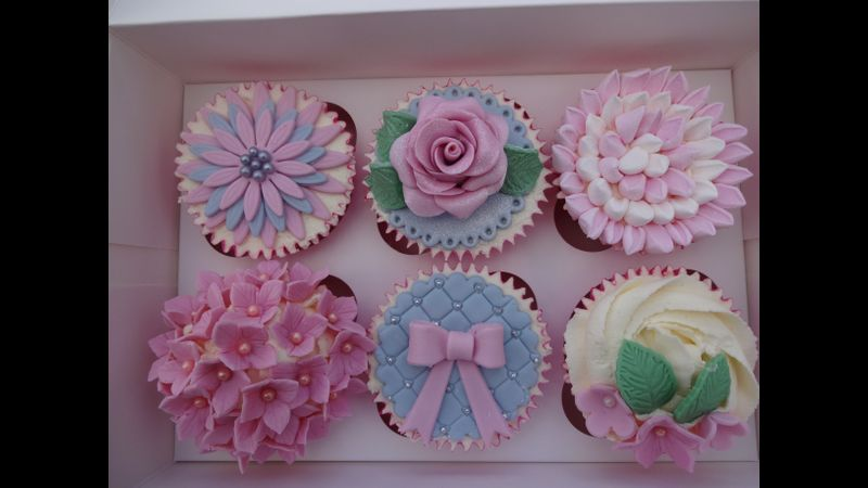 Tara House Bakery beginners cupcake decorating - Creative ...
