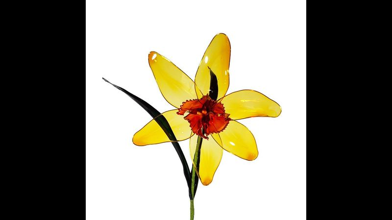 Resin Flowers - daffodils can be made in different colours