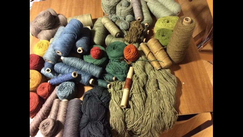 Choosing yarns and colours for your tapestry weaving