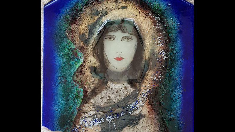 Angel glass design by Elaine Kelly
