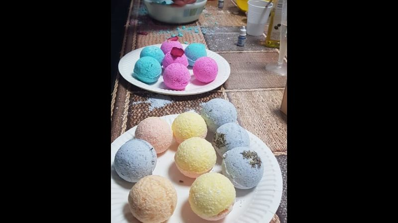 Make your own bath bombs with Craft My Day