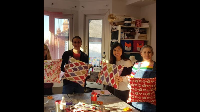 Zip cushion with piping workshop with Craft My Day