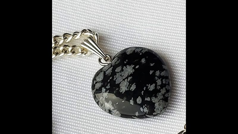 ♥ SNOWFLAKE OBSIDIAN  CRYSTAL IS GREAT FOR SORTING OUT YOUR THOUGHTS ♥