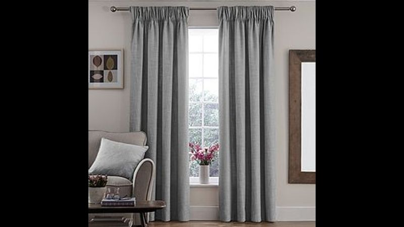Pencil pleat curtain image