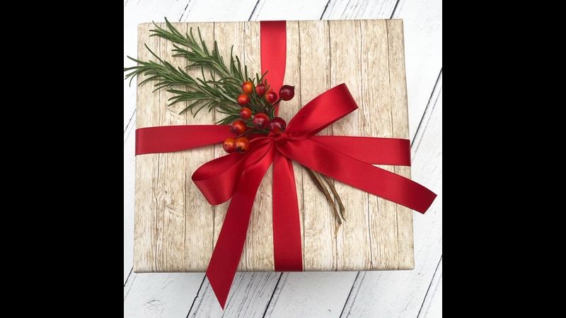 Learn to gift wrap with expert tuition our Creative Christmas (or Spring) Workshops.