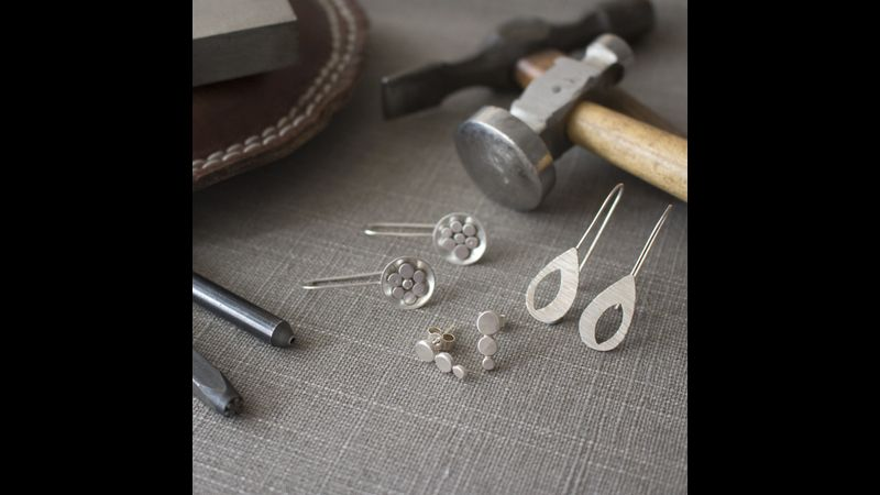 Create your own beautiful silver earrings!