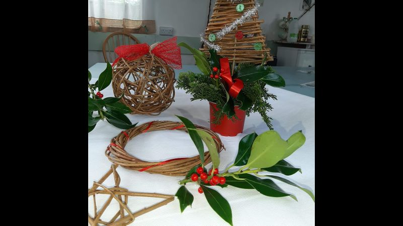 Willow weaving Christmas Craft Kit - complete