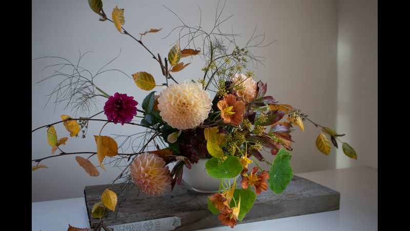 Autumn floral table design
