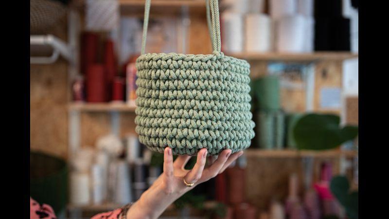 Crochet a pot!